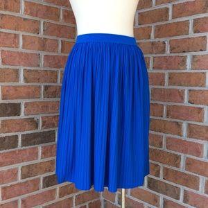 Ivanka Trump blue pleated skirt